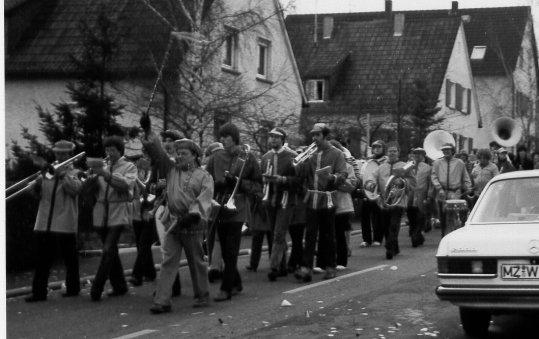 1981_Lö_Fastnachtsumzug_klein